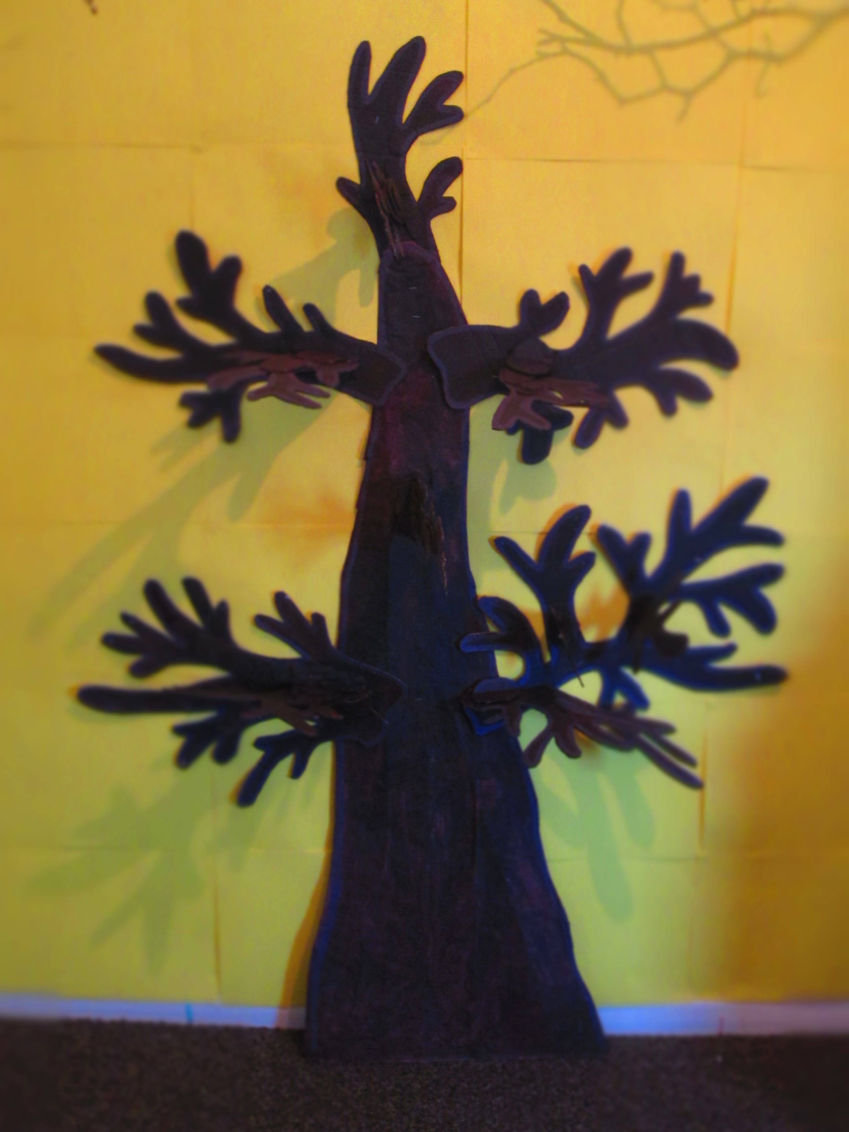A spooky autumn tree display for Halloween