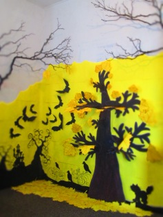 Then add another leaf option or use leaf rubbings, on the tree and twigs I used hand drawn leafs with crayons great for pre season, see link...https://lizzymason.com/2014/10/25/how-to-make-paper-autumn-leaves-with-templates-wax-crayons/