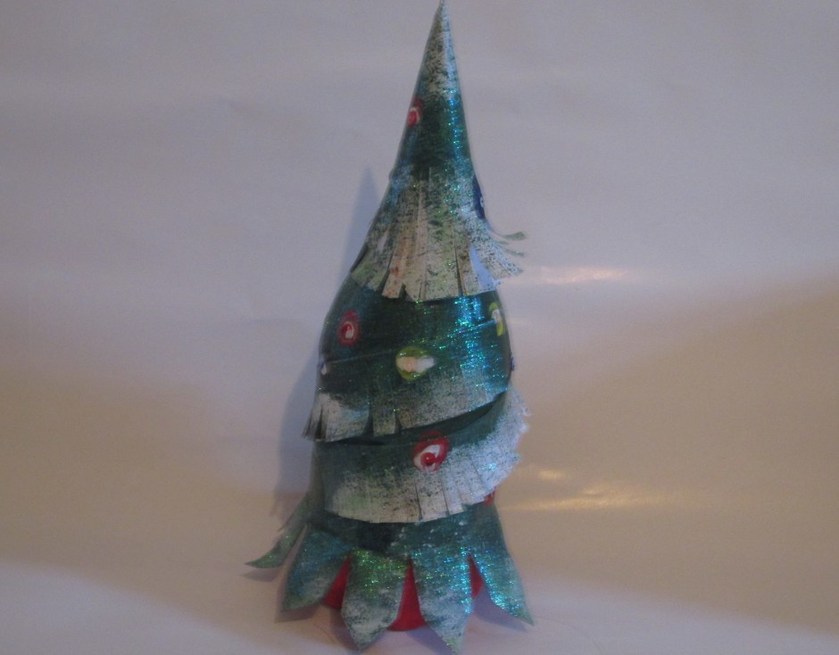 O Christmas Tree, O Christmas Tree, Your branches green delight us! They are green when summer days are bright, They are green when winter snow is white. O Christmas Tree, O Christmas Tree, Your branches green delight us!